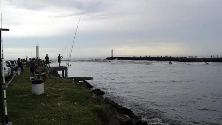 pesca de praia barra do mampituba em torres rs