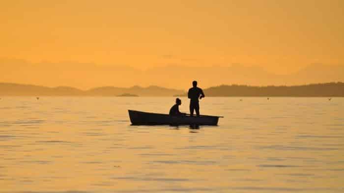 pesca embarcada 10 dicas para sua segurança e diversão ao pescar de barco